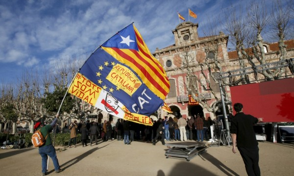 Карлес Пучдемон - непокорният нов премиер на Каталуния