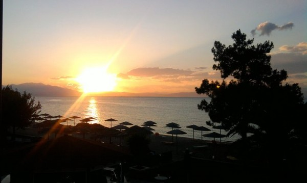 Стотици хотели в Гърция обявени за продажба