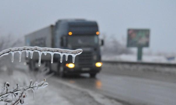 """Опашка от камиони се е образувала на """"Дунав мост"""""""