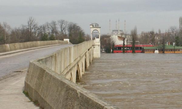 Нивото на Тунджа край Елхово скача с 75 см за 24 часа