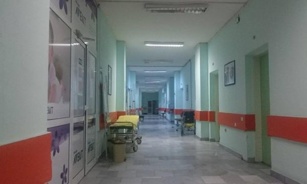 Студ: Деца бежанци с измръзвания в болница