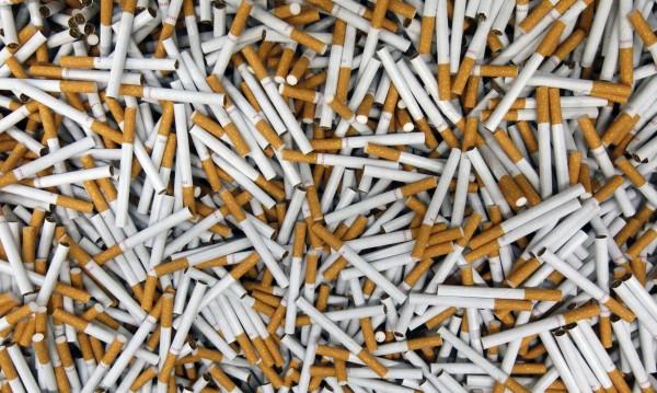 Пловдивчанин къта вкъщи над 230 хил. нелегални цигари