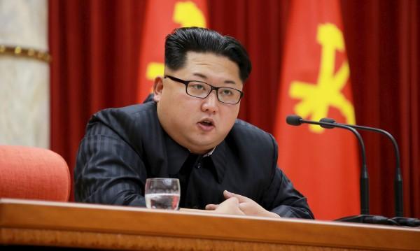 """КНДР задържа US студент заради """"враждебен акт"""""""