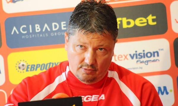 Чичовото пое Литекс, в Ловеч мечтаят за шампионска титла