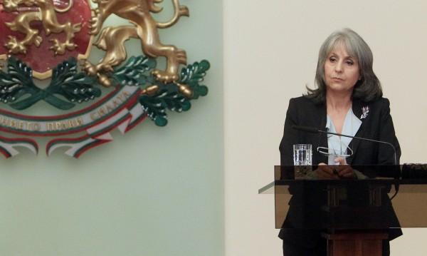 Маргарита Попова няма мераци за президент. Засега.