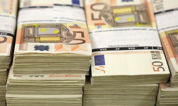 Французойка преведе  €13 хил. на измамници в България