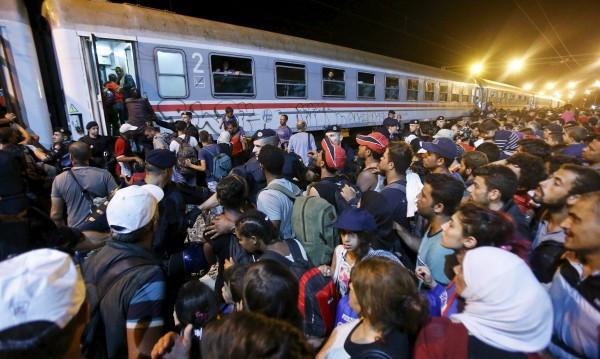 Бавария пак заплаши Меркел със съд заради мигрантите