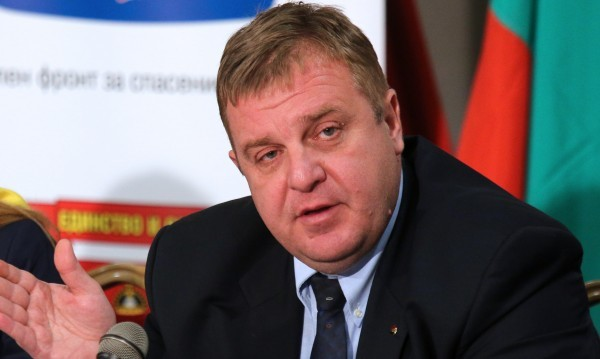 Пускат декларации в 5 без 10, ядосва се Каракачанов