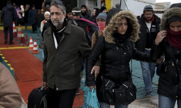 Сирийските бежанци да могат да гласуват на избори в страната им