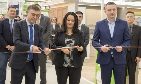 "Новият ""Практикер"" във Варна отвори врати"