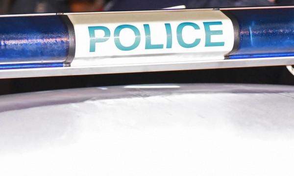 Крадци вързаха охранител за стол, обраха птицекланица