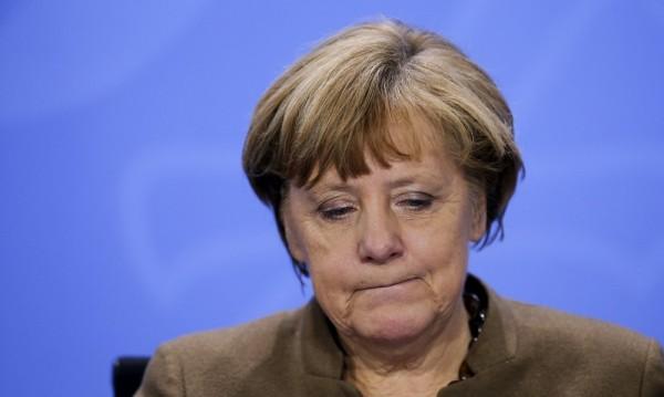40% от германците искат оттеглянето на Меркел