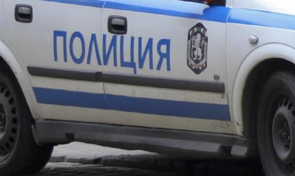 Шофьор без книжка налетя на полицаи