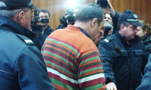 Кметът насилник е с инсулт в реанимация в Пазарджик