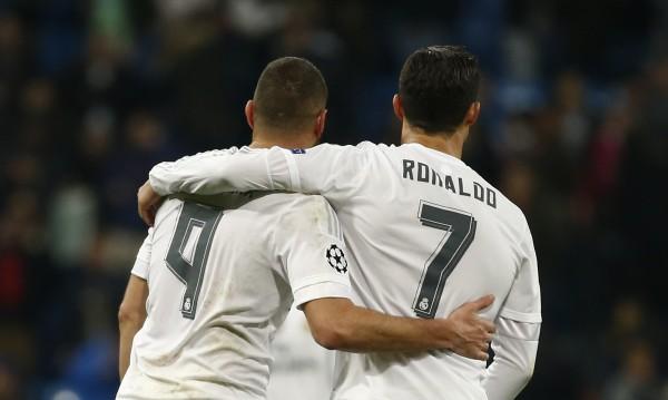 """Договор мечта: """"Реал"""" ще се издържа от... фланелки"""
