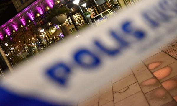 """Маскирани """"прочистваха"""" Стокхолм от мигранти"""