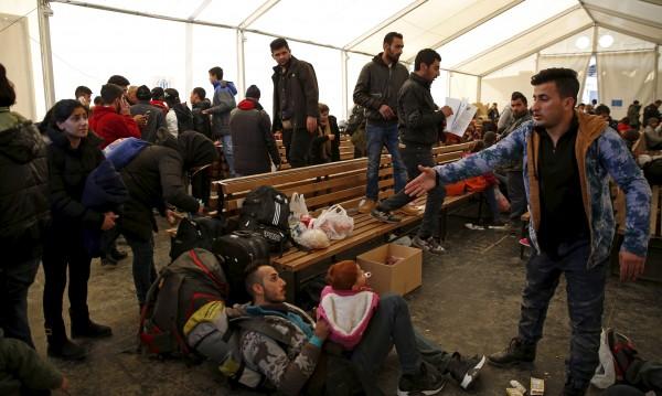 Бягащите от война заслужават уважение, категорична е ЕК