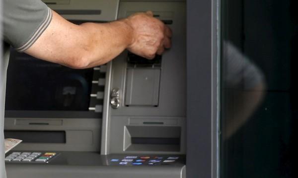 Закопчаха българи в Шри Ланка, крали от банкомати