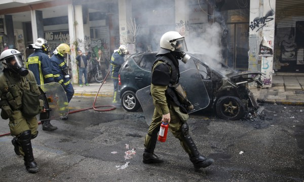 Гърция не се успокоява, нищо вече не работи!