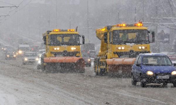 Снегорин за снежен бой се стяга из страната