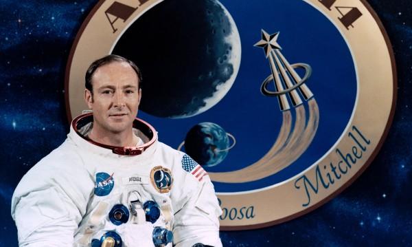 Почина шестият американец, стъпил на Луната