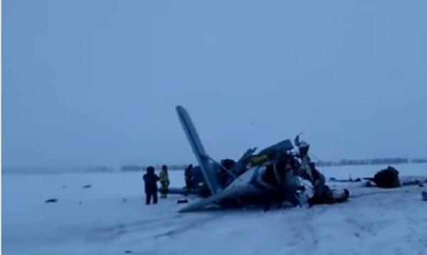 Малък самолет се разби в Русия, трима загинаха