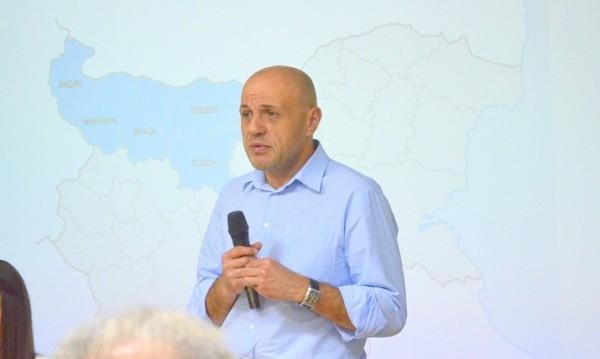 Само ГЕРБ има интерес от предсрочни избори, смята Дончев