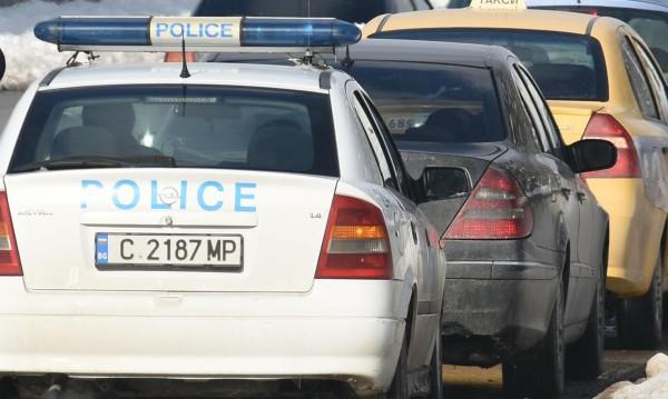 Лека кола удари момченце на столичен булевард