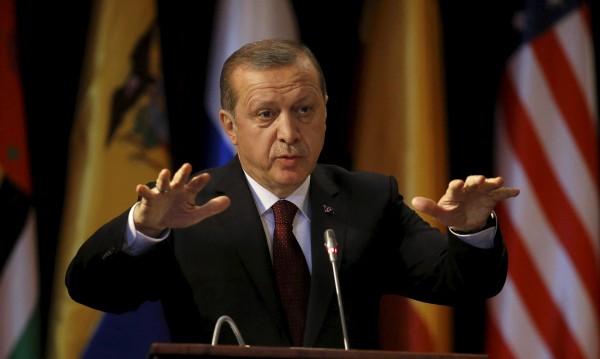 Ердоган се репчи: Ще залее Гърция и България с бежанци