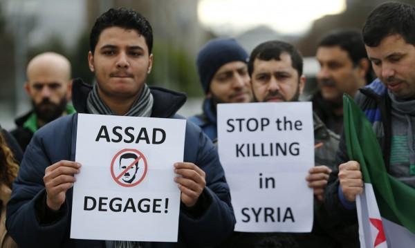 Западът трябва да се намеси в Сирия. Заради интересите си
