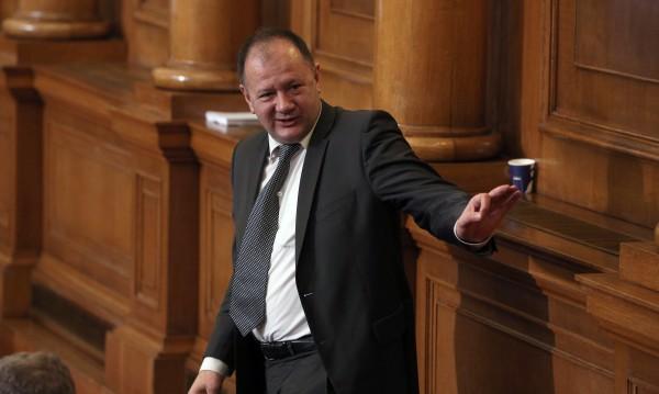 Само Бойко Борисов можел да предизвика предсрочен вот