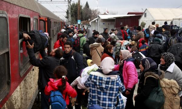 Брюксел за бежанците: На прав път сме, но няма резултати