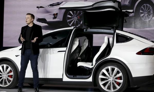 Tesla обеща – до края на годината с печалба