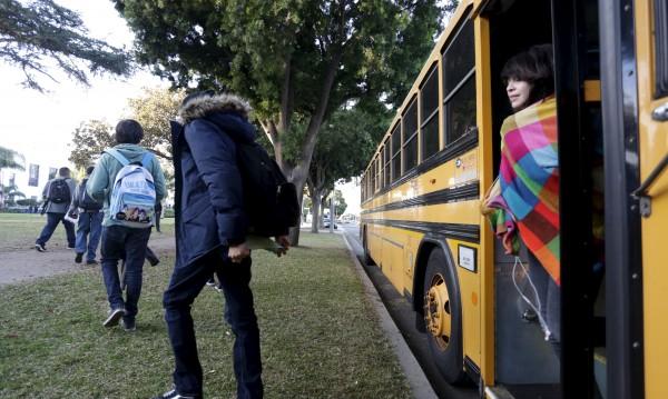 Автобус и ТИР се сблъскаха във Франция, 6 деца загинаха