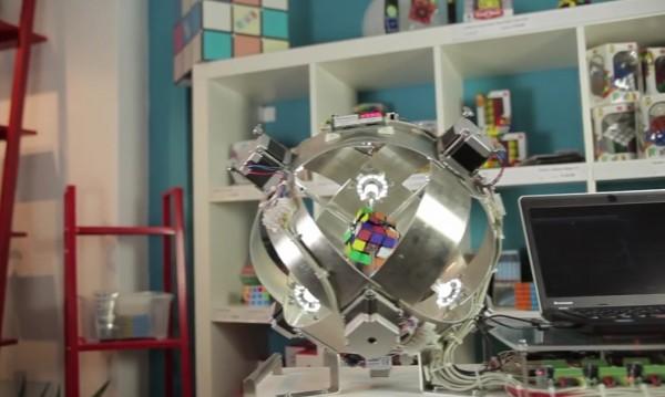 Робот подреди Рубик за по-малко от секунда