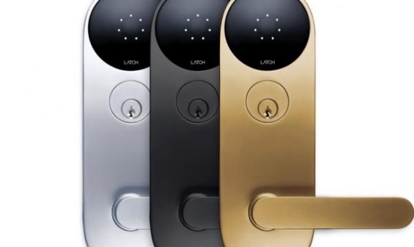Умна ключалка само с парола и смартфон отключване. Що е то?