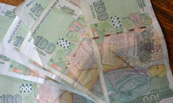 """НАП чака 100 млн. лева от данък """"уикенд"""""""