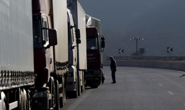 Брюксел се реши: Пита Гърция за блокадата