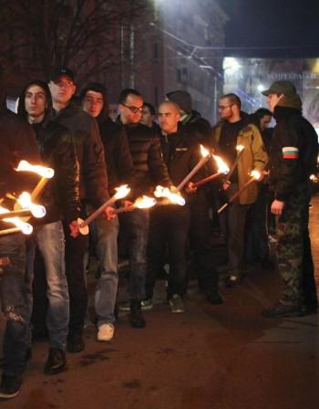 2 в 1 в София: Луковмарш и контрашествие