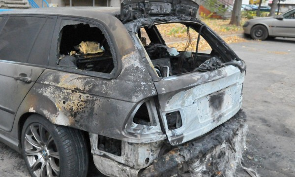 Запалиха колата на шеф на общинска фирма в Плевен