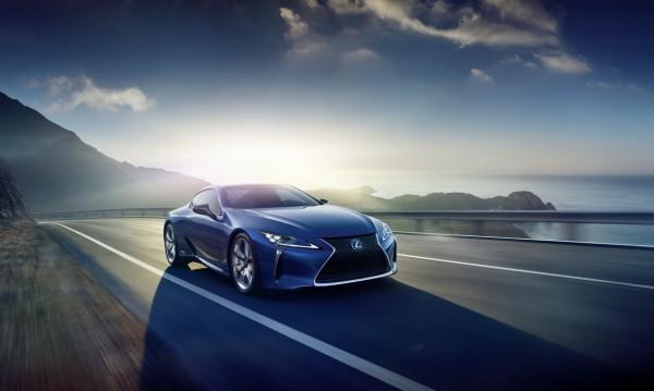 Lexus показа новият си спортен хибрид