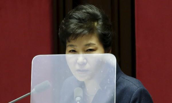 Южна Корея спира потока чужда валута към Севера