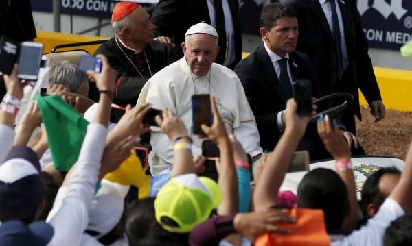 Папата призова младите в Мексико да не се поддават на лесните наркопари