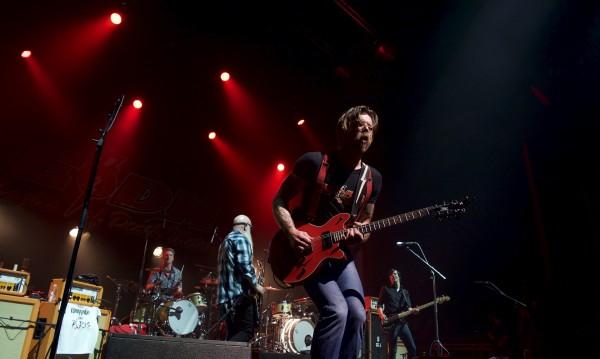 Eagles of Death Metal в Париж за рок катарзис