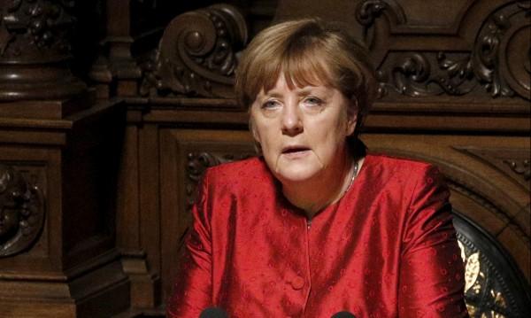"""Ню Йорк таймс"": Меркел би могла да води ООН"