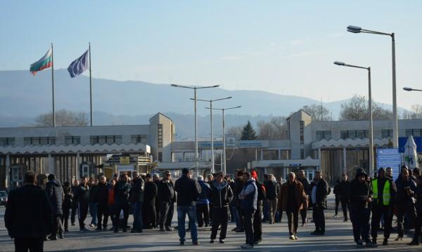 Нямате поща! Блокадата спря писмата до Гърция