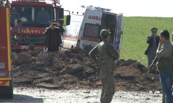 Нов кървав терор срещу военен конвой, сега в Диарбекир