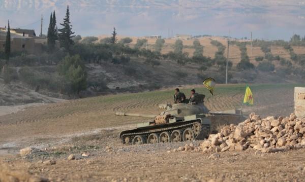 Кюрдите в Сирия диктуват събитията, Турция само реагира