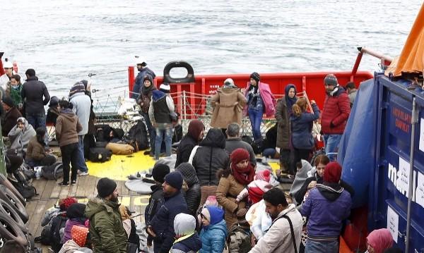 Български кораб на Фронтекс спаси 900 мигранти
