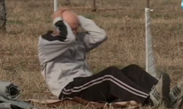 За рекорд: Дядо с 1000 коремни преси нон стоп